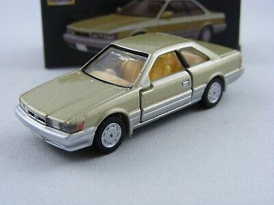 Fiat 500F in beige 1//45 Takara Tomy Tomica Premium #29