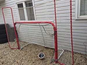 Hockey Net with side and top nets and shooter touter 50$ obo
