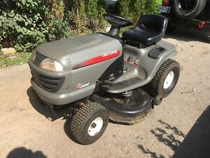 Riding lawn mower -Craftsman LT2000