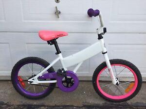 Vélo pour enfant roue 16 pouces très bonne condition
