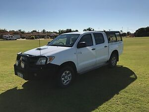Hilux SR Turbo Diesel 4X4 Manual - 91,284kms - over 10k in extras Geraldton Geraldton City Preview