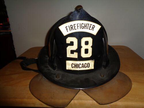 AUTHENTIC CAIRNS 880 CHICAGO FIRE DEPT HELMET  ENGINE 28   1981