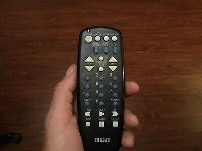 RCA Remote Control RCU404B w/ Battery Cover UNIVERSAL DVD AUX DBS CABLE VCR TV B&w Vcr