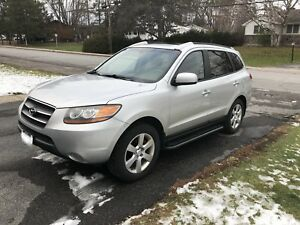 Ready for winter?  08 AWD 7-Pass Santa Fe w/ New Tires!