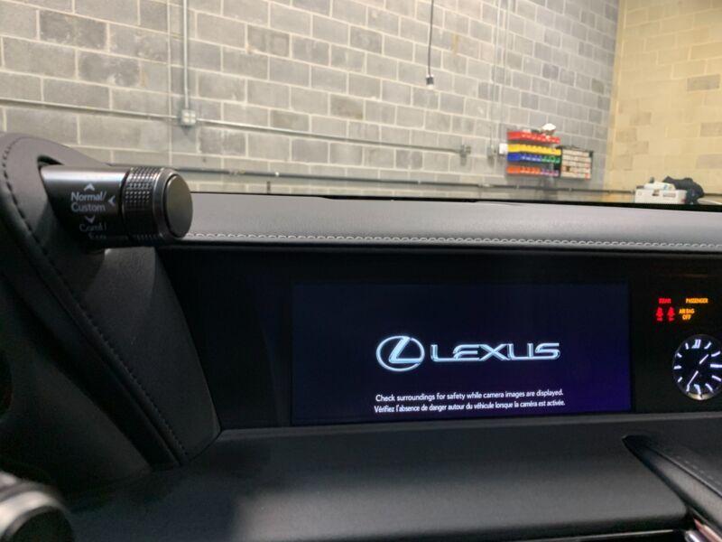 Image 24 Voiture Asiatique d'occasion Lexus LC 2018