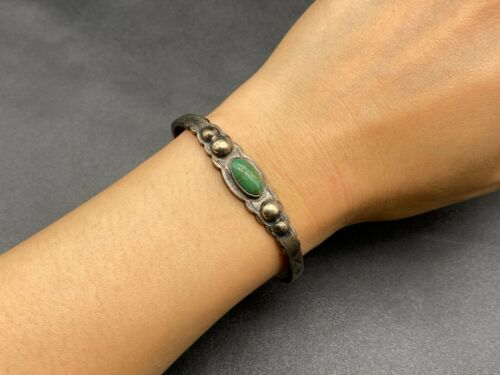 Vintage Navajo Sterling Silver Turquoise Stampwork Arrow Stampwork Cuff Bracelet