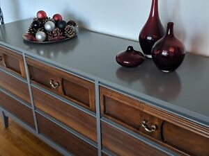 Mid century dresser like new credenza console tv media stand