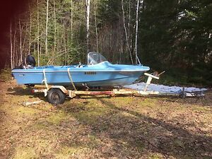 14' Traveler boat and trailer.