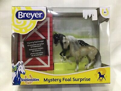 Breyer Stablemates Mystery Foal Surprise Horses 3pc Stable Farm Ranch, A3