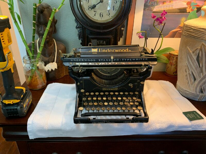 ANTIQUE Underwood No.3 STANDARD TYPEWRITER Serial# 422644-12 RARE Very NICE