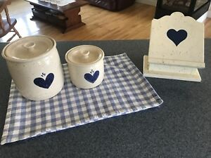 Pottery canisters with 4 placemats