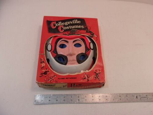 VINTAGE COLLEGEVILLE COSTUMES HALLOWEEN COSTUME WITH MASK- ASTRONAUT. WORN