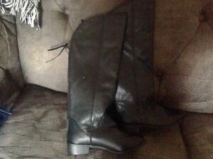Brand New Girls Size 1 High Leather Boots