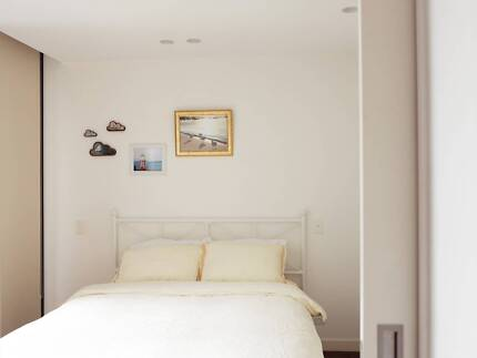 Private Room with Queen Bed in Southbank