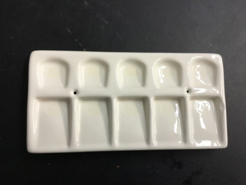 small porcelan mixing tray for ceramcmics