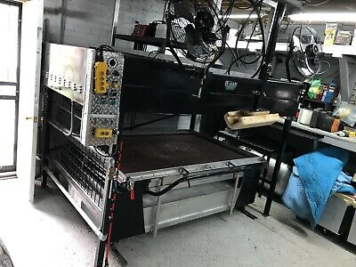 Vacuum Forming Machine W Overhead Assist 6x4 Table. Reconditioned.