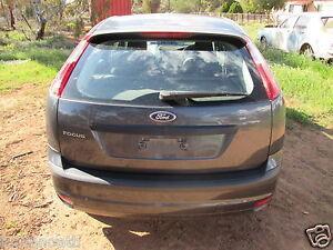 Ford Focus Auto Hatchback complete for wrecking 11/06