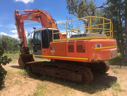 Hitachi ZX330 LC Excavator