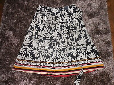 LADIES M AND S COLLECTION STUNNING ABSTRACT PRINT SKIRT SIZE 16 BNWT FREE POSTAG