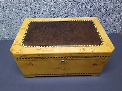 New Large Beautiful Locking Wood Burl Finish Cigar Humidor 150 Cap.  SHIPS FREE