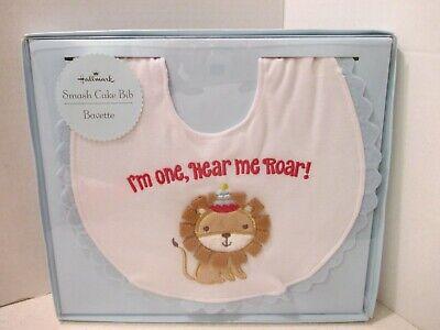 1st Birthday Bib (Hallmark Smash Cake Bib - Baby 1st birthday - Lion - Hear Me)