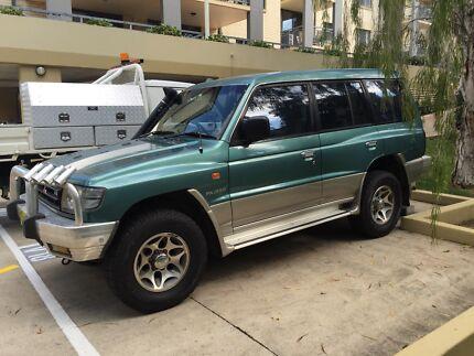 1998 Mitsubishi Pajero Wagon St Lucia Brisbane South West Preview