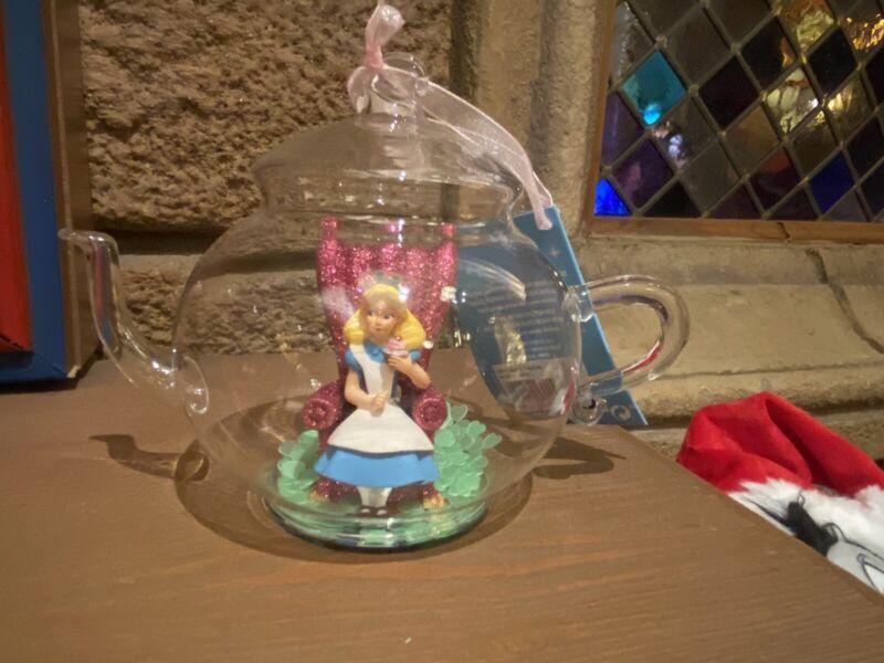 Ornament  Alice In Wonderland Tea Pot Disneyland PARIS Christmas Disney