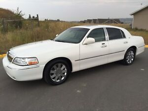 2003 Lincoln Town Car Summer and Winter Tires