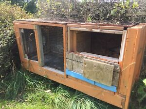 Outdoor Rabbit Hut with HeatLamp