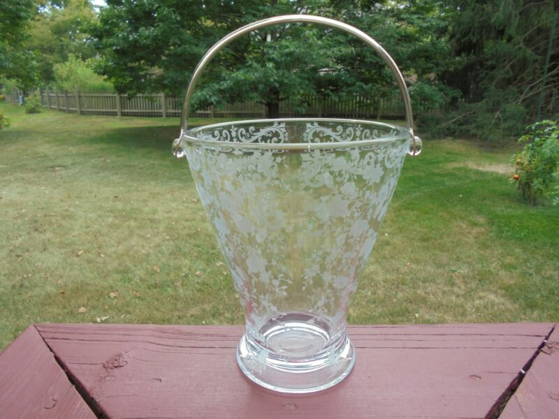 Scarce Vintage Cambridge Glass Chantilly Tall Footed Ice Bucket w Bale Hdl