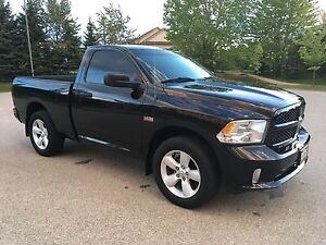 2013 RAM 1500 Express, Hemi, Excellent condition!