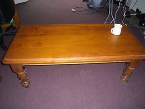 Solid wooden coffee table Port Macquarie Port Macquarie City Preview