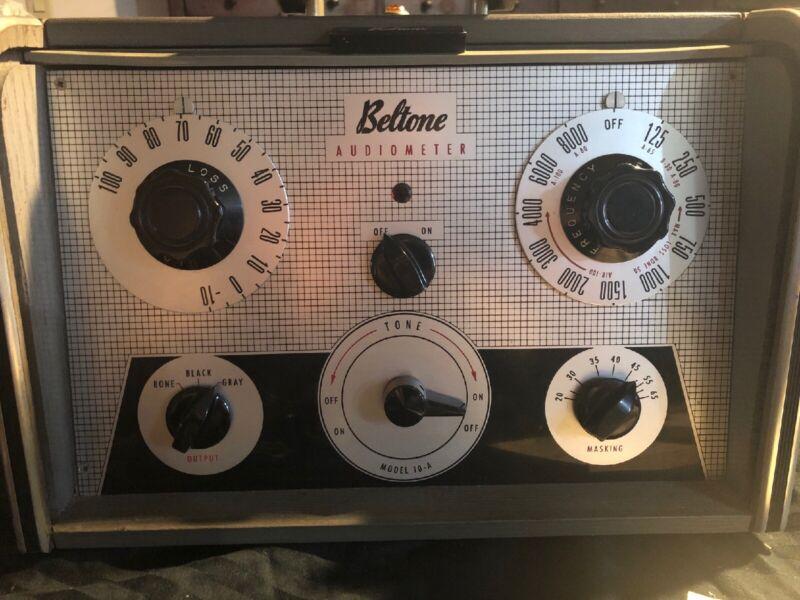 VINTAGE Beltone Model 10a Audiometer Hearing Tester with Headphones WORKS!