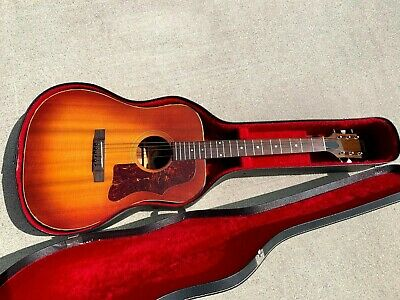 1970's Vintage Gibson J45 Deluxe Acoustic Guitar