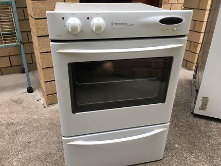Westinghouse freestyle fan forced oven with separate grill