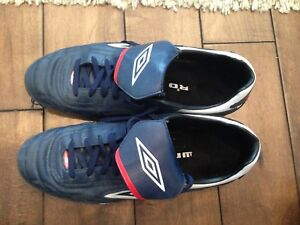 Men's Size 13 Umbro Indoor Soccer Shoes
