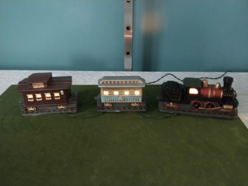 Lefton Colonial Village—1989 Train Set Item #07125 (Lighted) EUC