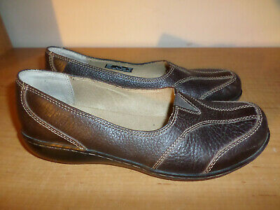 Clarks Women's Size 7.5 Brown Leather Comfort Casual Flat Shoes Slip On - Nice
