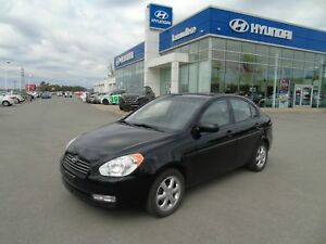 Hyundai 2011 Accent GLS,auto,air,toit, cruise