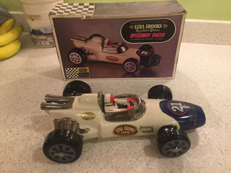 VINTAGE 1970 Ezra Brooks Speedway Racer 21 Indy 500 Decanter--With Box--NICE!