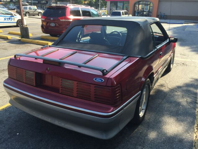 1993 Ford Mustang GT Convertible 2-Door: Late Production rare collectible super low miles 63000miles 63000miles