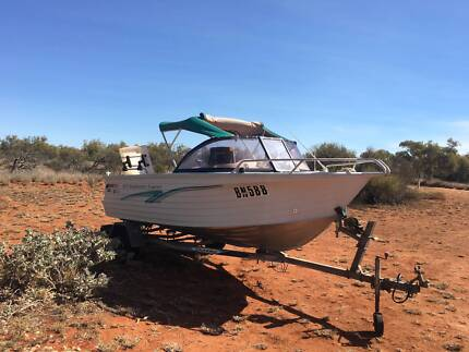 Boat - Quintrex Bayhunter 475