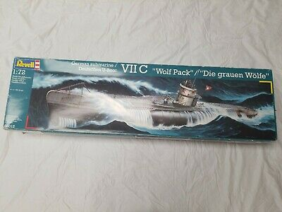 Revell 05015 German WWII U-Boat Submarine VII C Wolf Pack 1/72 Model