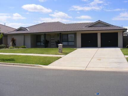IMMACULATE HOME - WILL SUIT NEW HOME BUYER - REGRETFUL SALE Glenfield Park Wagga Wagga City Preview