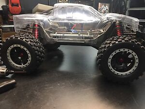 Brand New 8S Traxxas Xmaxx, Proline Raptor body and Badlands