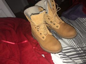 Timberland Boots For Women (Negociable)
