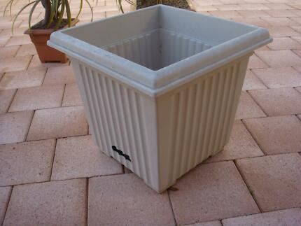 Self watering fluted planter, Brand: ADDIS Seven Hills Blacktown Area Preview