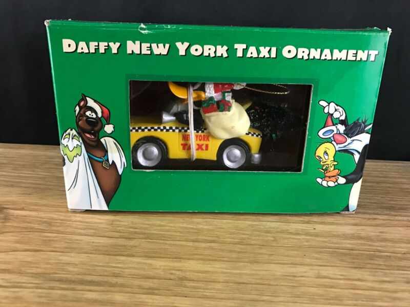 Warner Bros STUDIO STORE 1998 DAFFY DUCK New York Taxi Cab Christmas Ornament