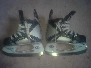 skates easton youth size 7