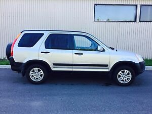 2000$ 2003 Honda CR-V AWD Manuelle Hitch